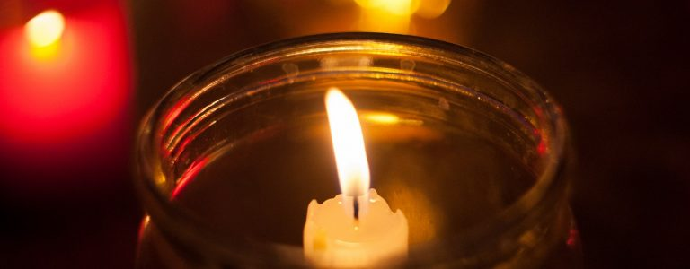 Свеча, память, скорбь